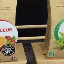 Les huiles essentielles dans les produits bio, ingrédient multifonctionnel et argument marketing